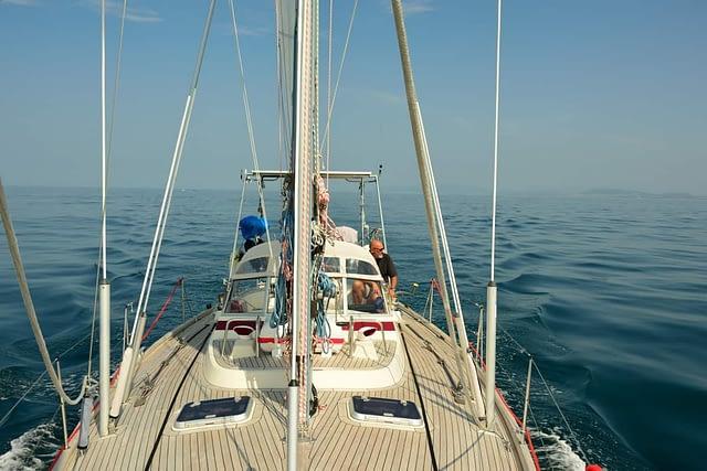 segelbåt på havet portugal