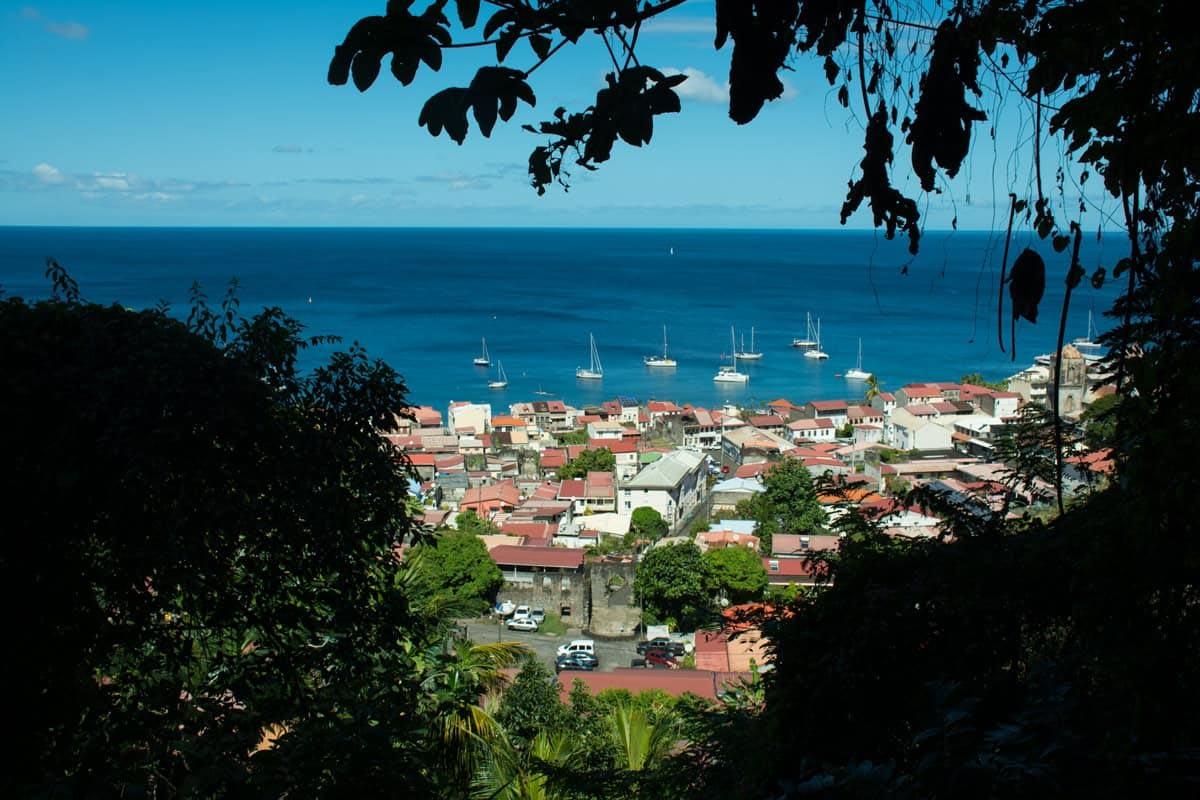 Utsikt by St Pierre Martinique
